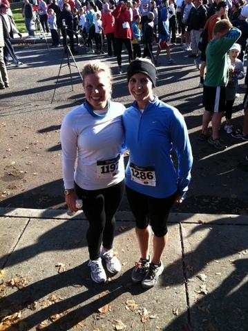 Sara & her friend Jamie ran the Carlisle Turkey Trot in 2011.